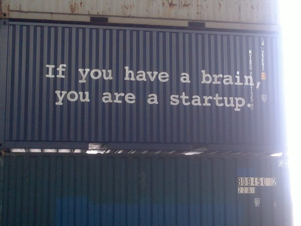 Campus Party Europe - Berlín - Leyenda en contenedor ISO - If you have a brain, you are startup