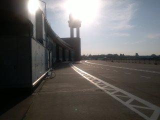 Campus Party Europe - Amanecer en el Aeropuerto de Tempelhof