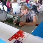 Campus Party Europe - Taller montado por Etsy donde se enseñaban a coser a máquina