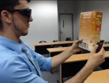 Eyetalk, las gafas que leen en voz alta a los ciegos