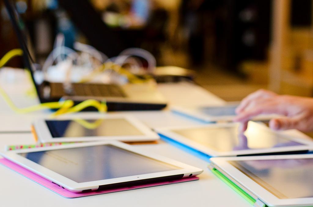 ¿Afecta el uso de pantallas al desarrollo del cerebro?
