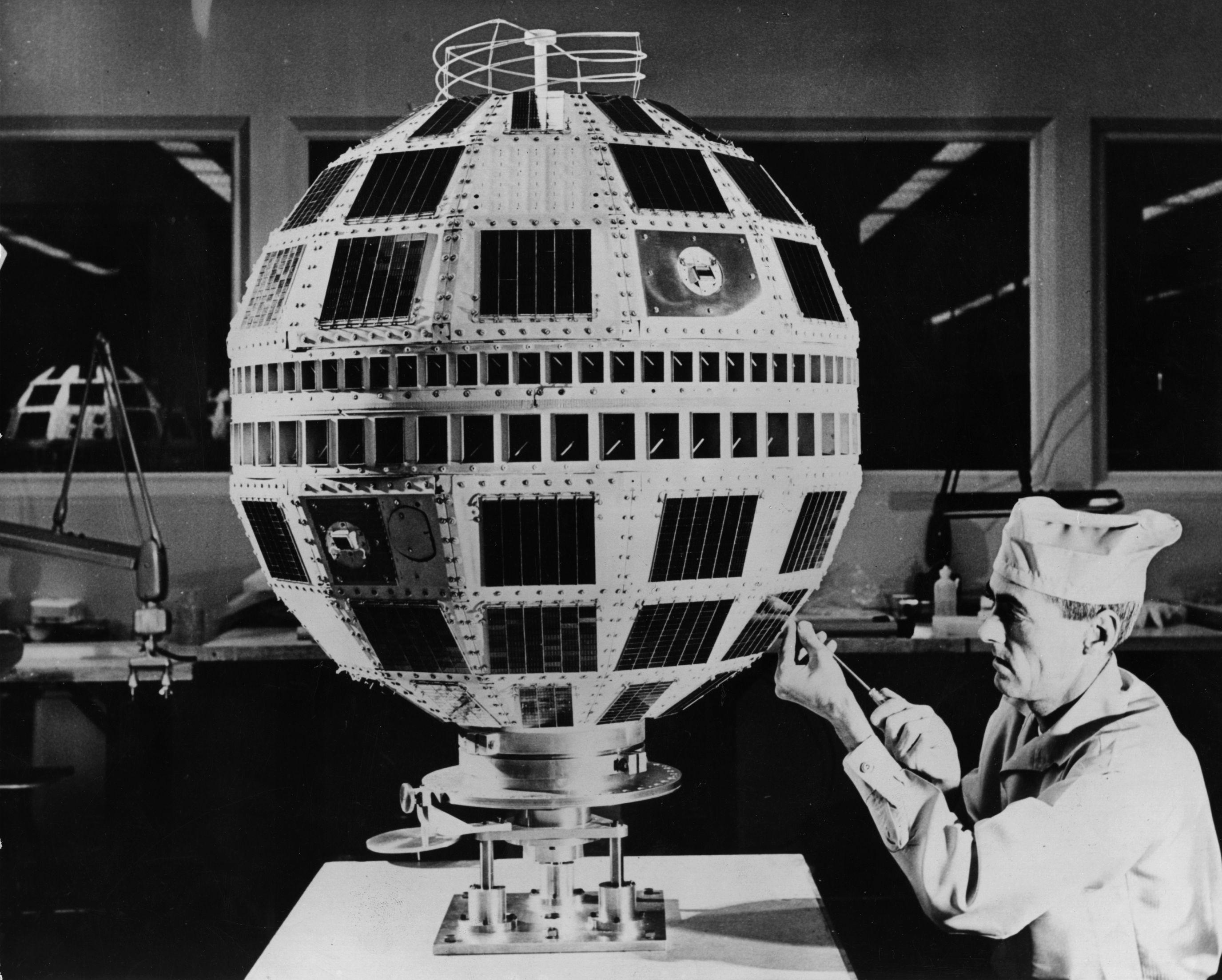 Telstar 1, el primer satélite de comunicaciones comerciales
