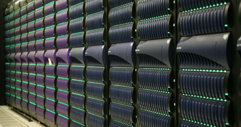 4 trabajos que realizan las supercomputadoras