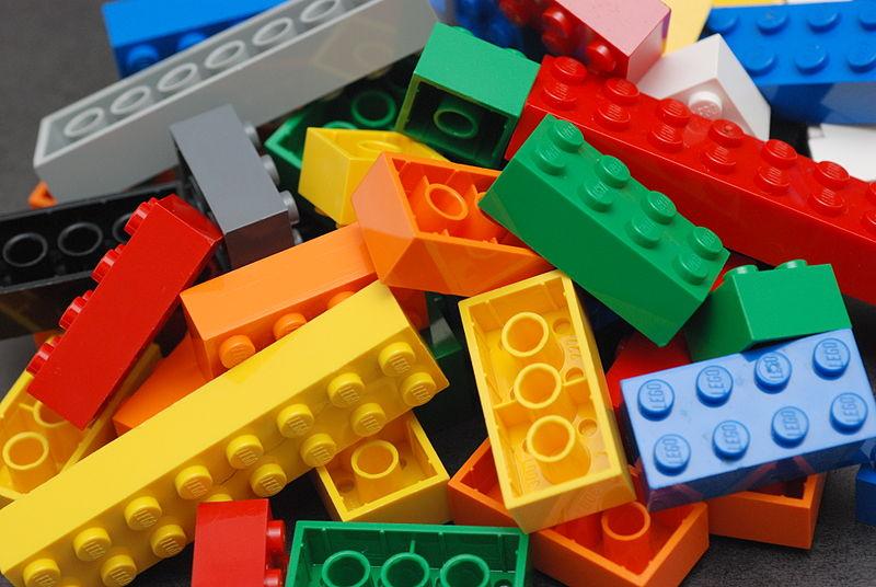 Logran la restauración de un sarcófago gracias al uso de piezas Lego