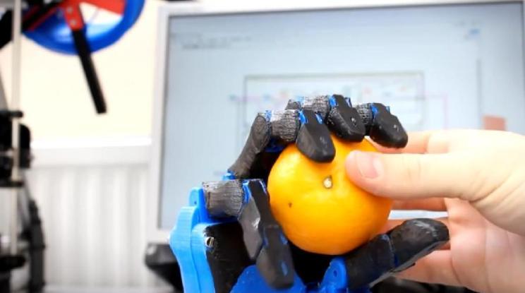 Construyen una mano biónica low cost mediante impresión 3D