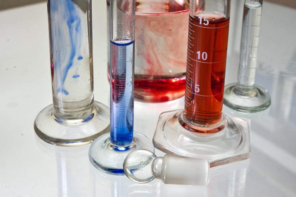 Así será la «alquimia» del futuro, que permitirá la fabricación de medicamentos o polímeros innovadores