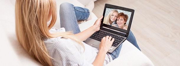 Cómo estar conectado con tu familia y amigos a distancia