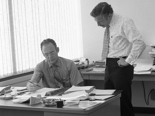 Gordon Moore y Robert Noyce en Intel en 1970