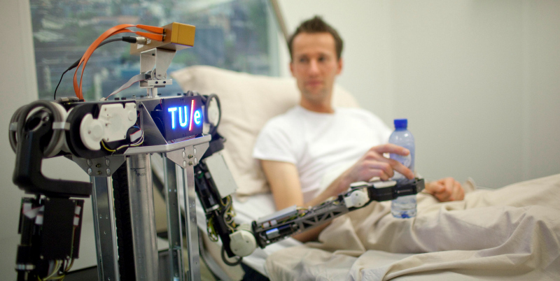 Se realizan los primeros ensayos públicos de RoboEarth en el ámbito del eHealth