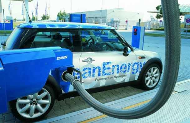 Car powered by hydrogen
