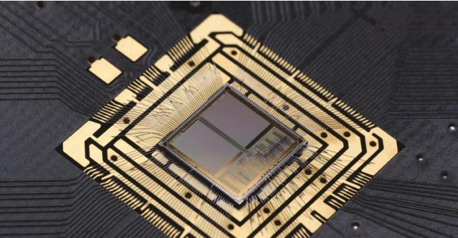 Inteligencia artificial basada en neuronas de silicio