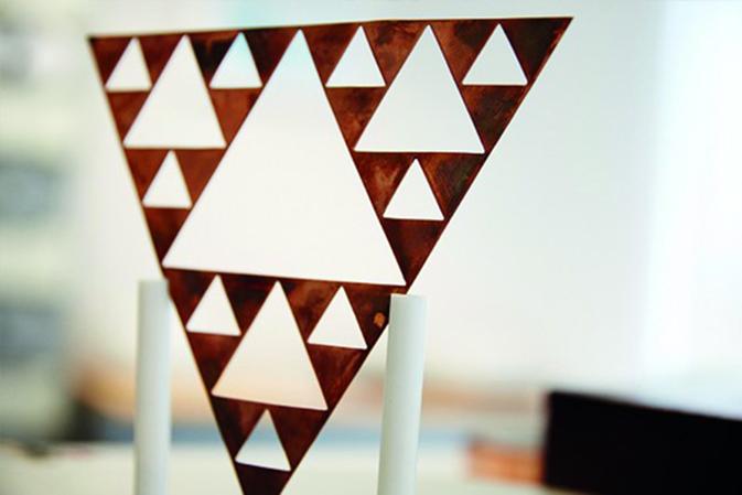 Premio al Inventor Europeo 2014 a las antenas fractales para móviles made in Spain