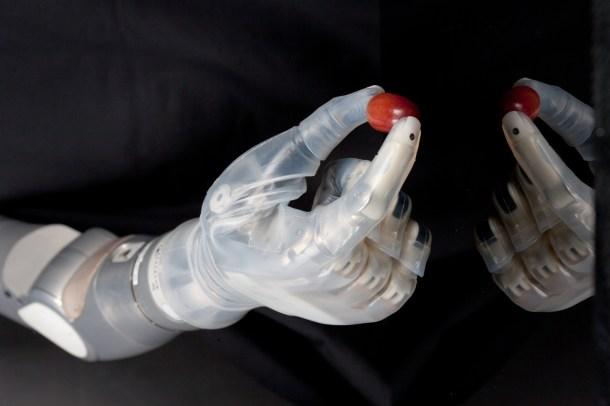 brazo protésico