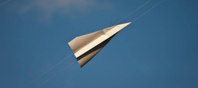 Aviones de papel convertidos en drones