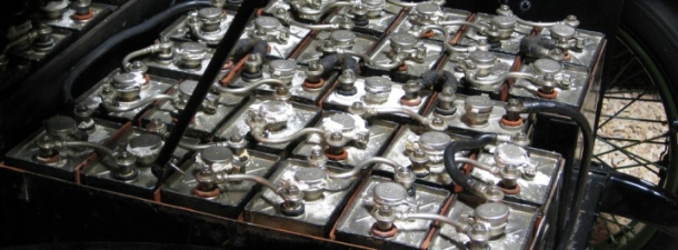 Baterías de coche recicladas para producir energía solar