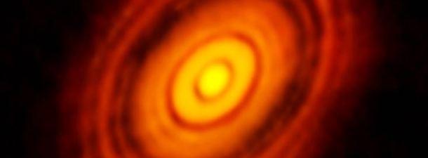 El telescopio ALMA capta la creación de un planeta como jamás la habías visto