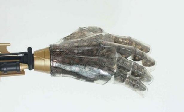 Piel artificial con sentido del tacto para protesis