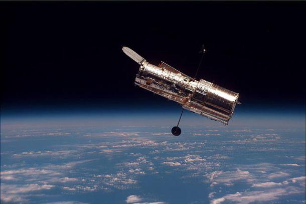 Color negro Telescopio Hubble