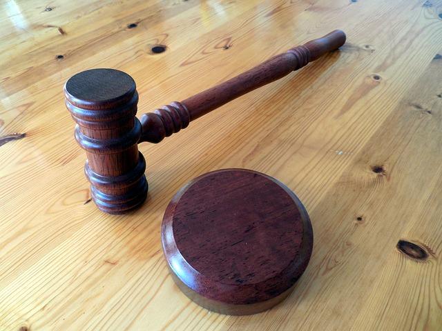 ¿Qué hace falta para que la patente europea con efecto unitario entre en vigor ?