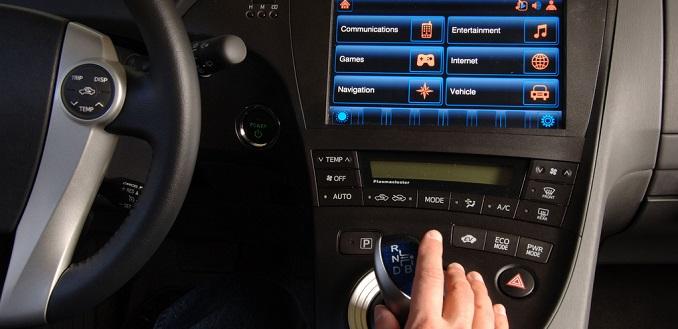 Un chico de 14 años hackea un coche con un dispositivo casero
