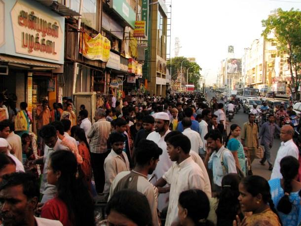 India_-_Chennai_-_busy_T._Nagar_market_1_(3059480968)
