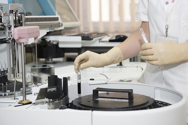 Los implantes del futuro podrían llevar hueso artificial
