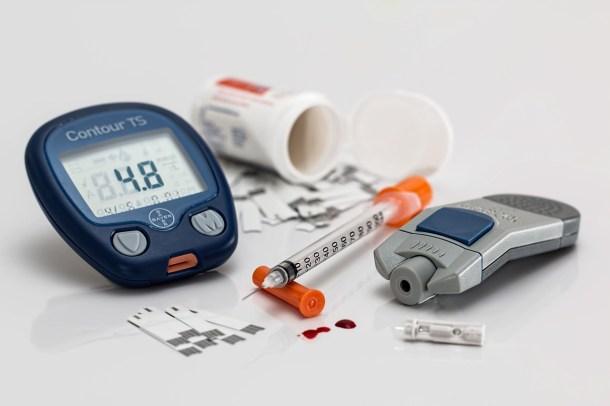 agujas en los análisis de sangre