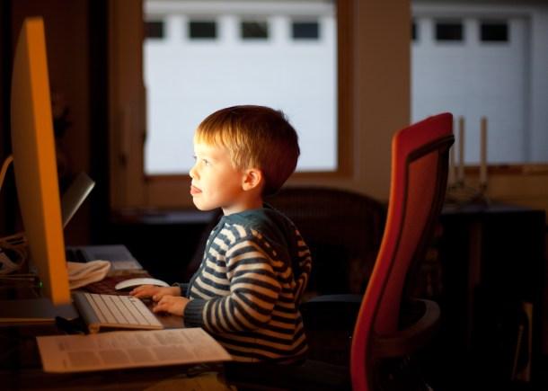 medios sociales y niños III