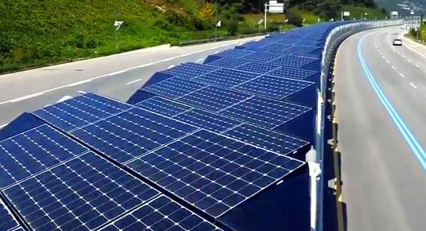 carril bici con techo solar