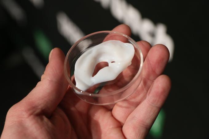 Esta impresora permitirá fabricar células y tejidos vivos