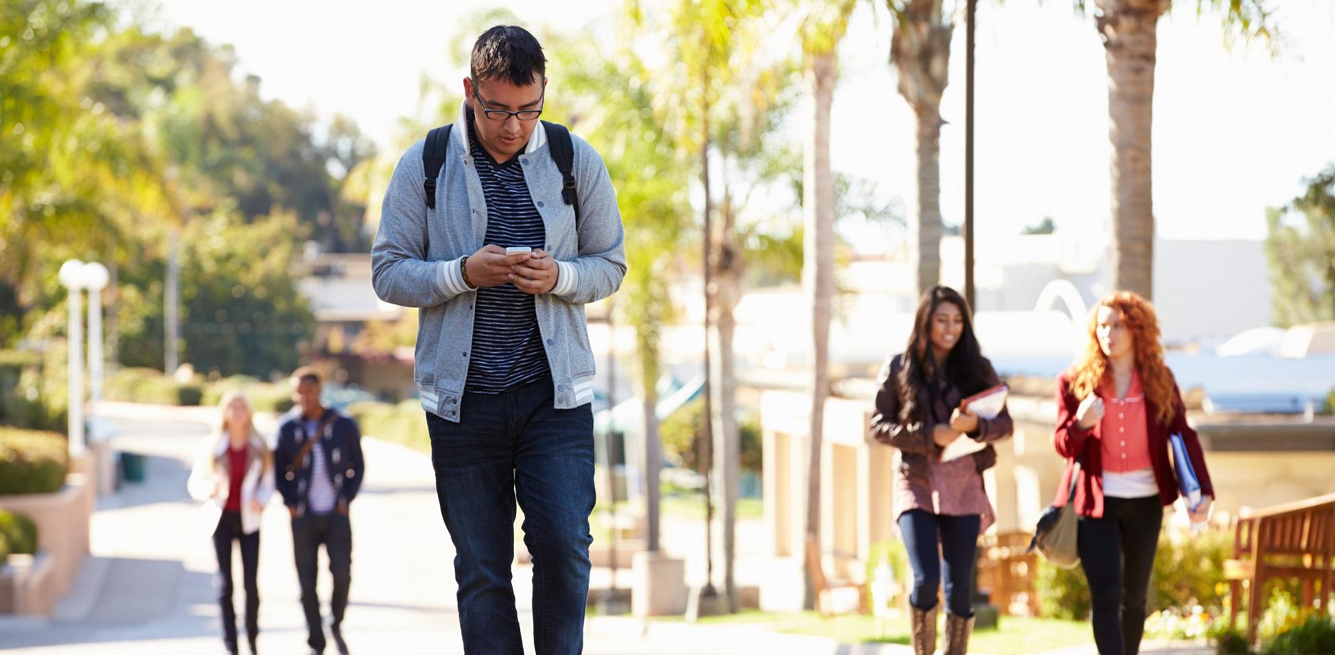 Una iniciativa de una empresa belga para concienciar sobre el uso del smartphone en la calle