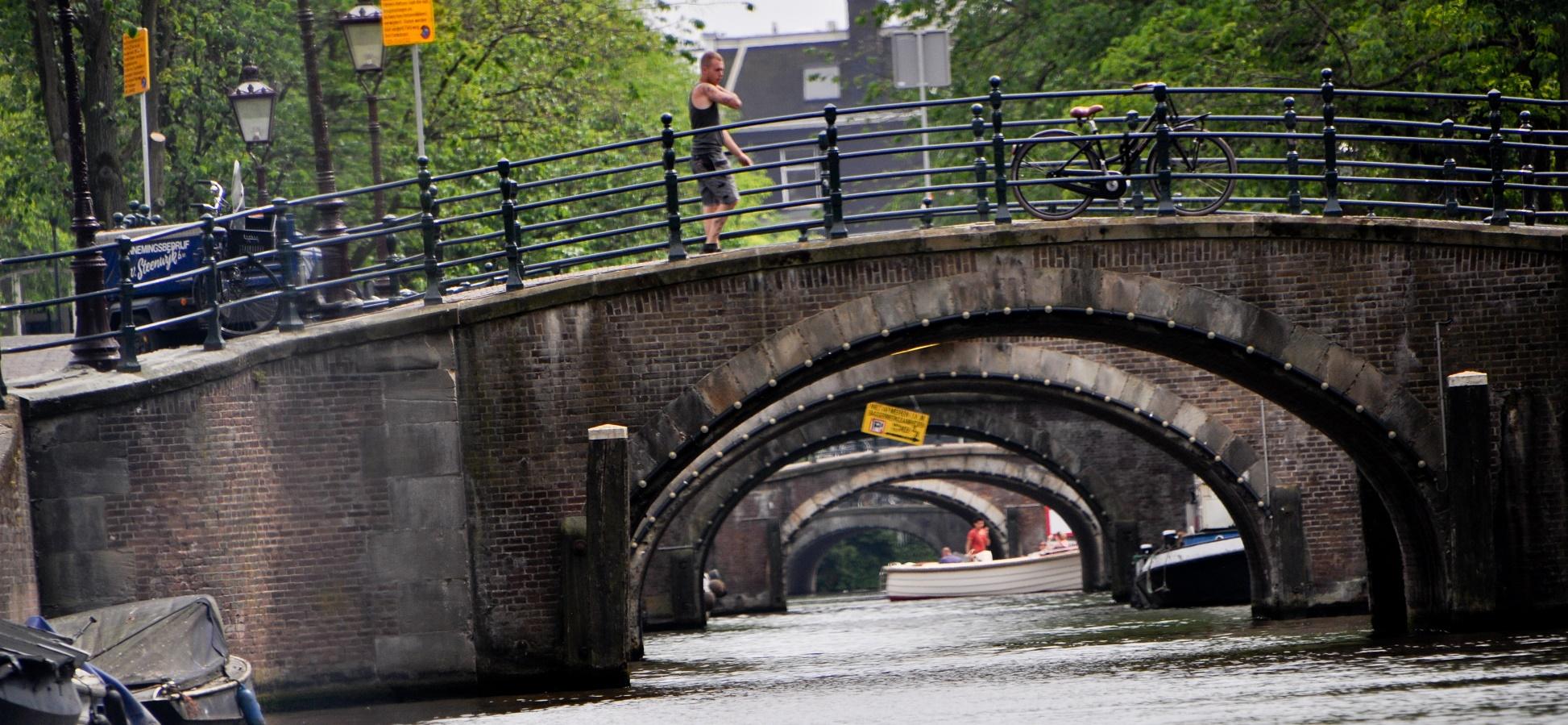 Robots autónomos imprimirán en 3D un puente para Ámsterdam