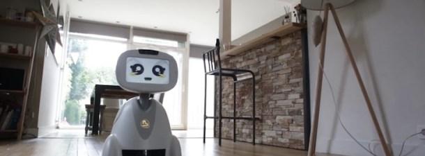 Un robot que interactúa con tu familia y tu hogar
