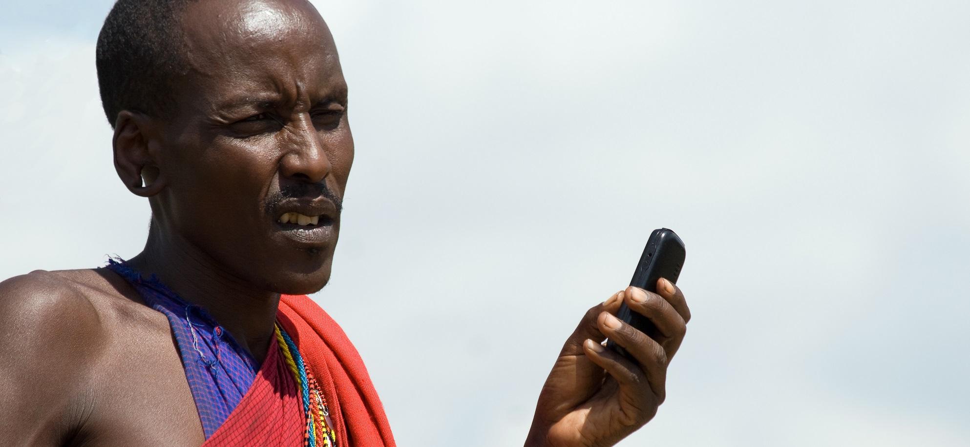 El móvil, clave para el desarrollo de la agricultura en África