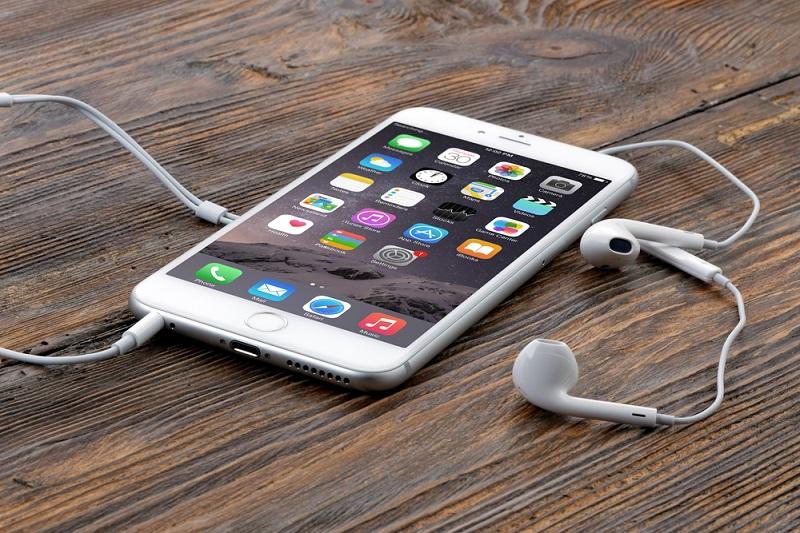 ¿Qué alternativas existen al puerto minijack de audio en smartphones?