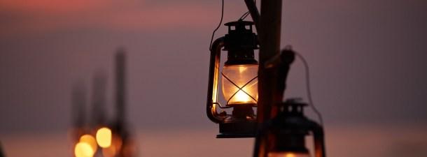 La lámpara que funciona solo con agua y sal