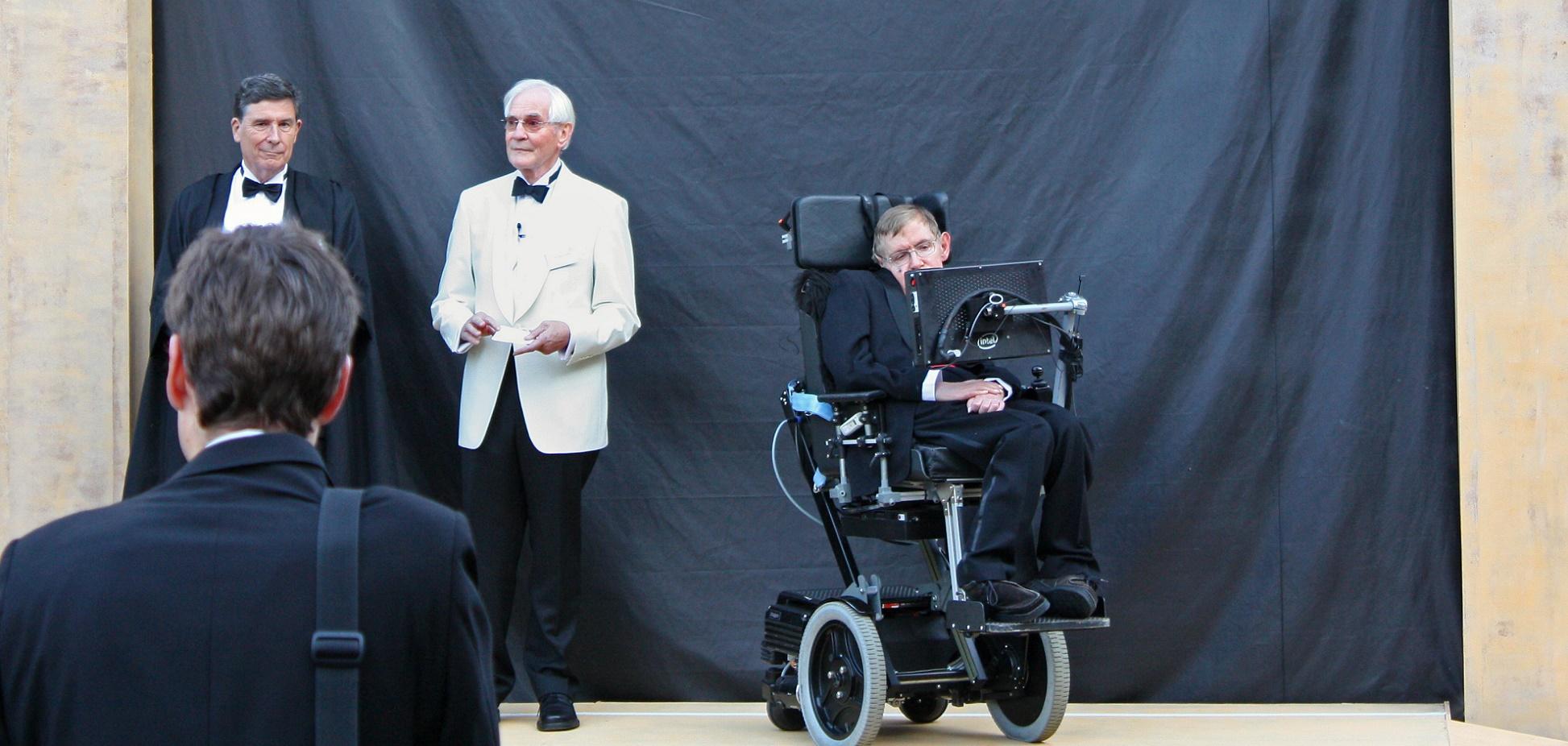 Intel ha colgado en código abierto el sistema de voz de Stephen Hawking