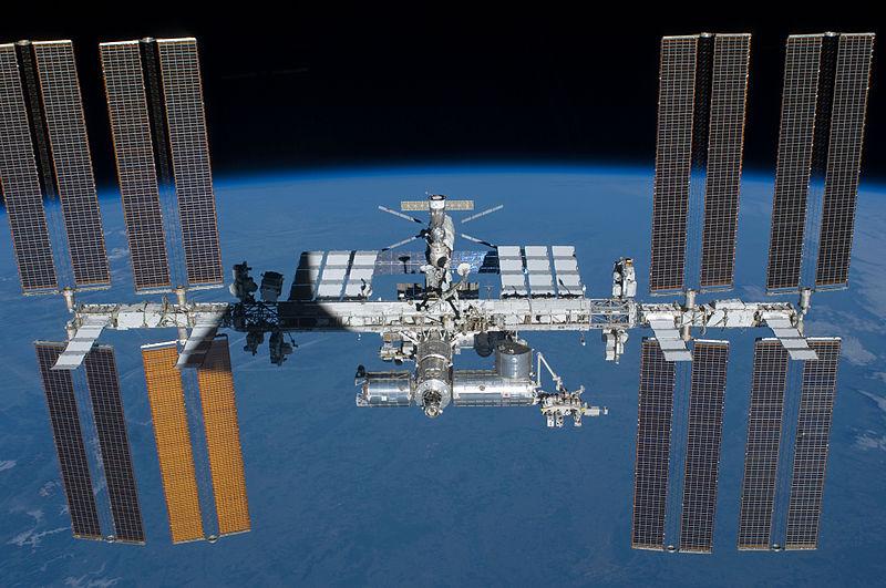 ¿Qué pasa cuando nos vacunamos en el espacio?