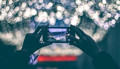 Estas Navidades vas a usar (aún más) tu smartphone gracias a Myfixpert y Voicemod