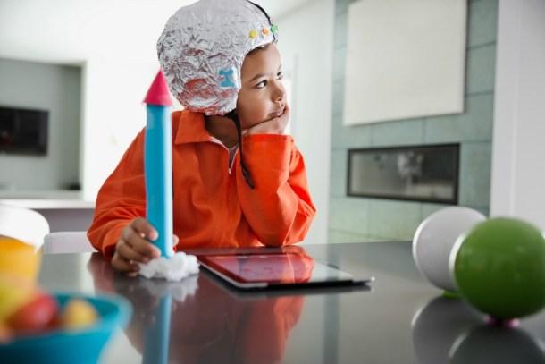 aprendizaje basado en proyectos - niño cohete