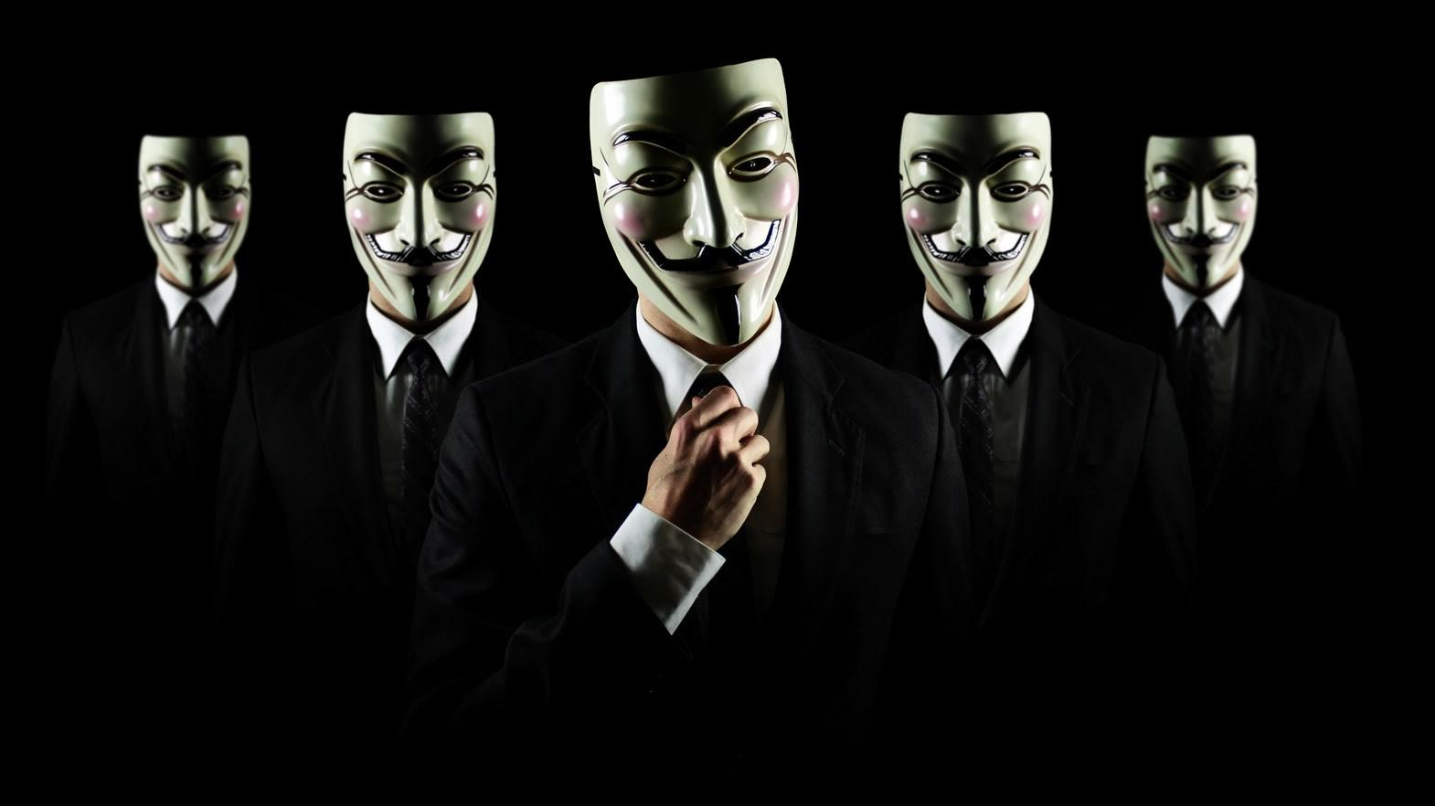 Spy Banker acecha en Twitter y Facebook