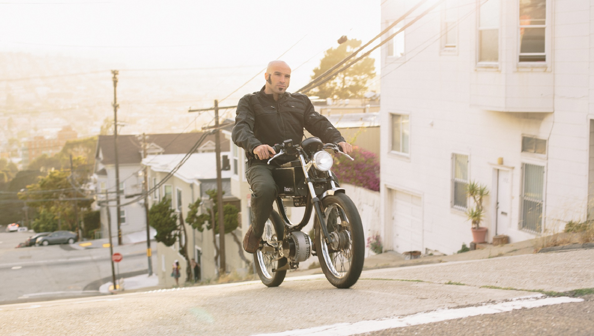 Bolt, a medio camino entre una moto y una bici eléctrica