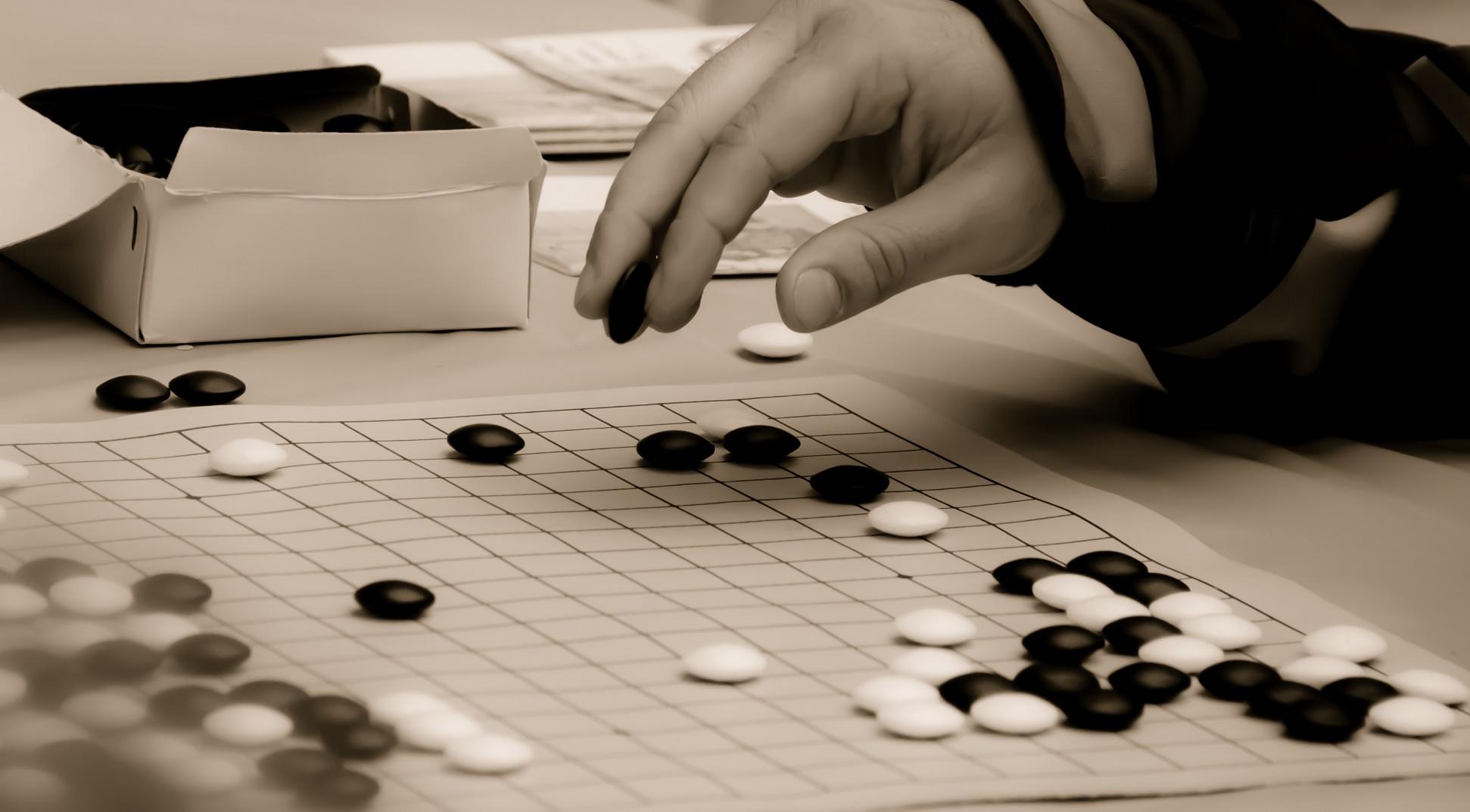 DeepMind gana al mejor jugador de Go (como Deep Blue hiciera con Kaspárov)