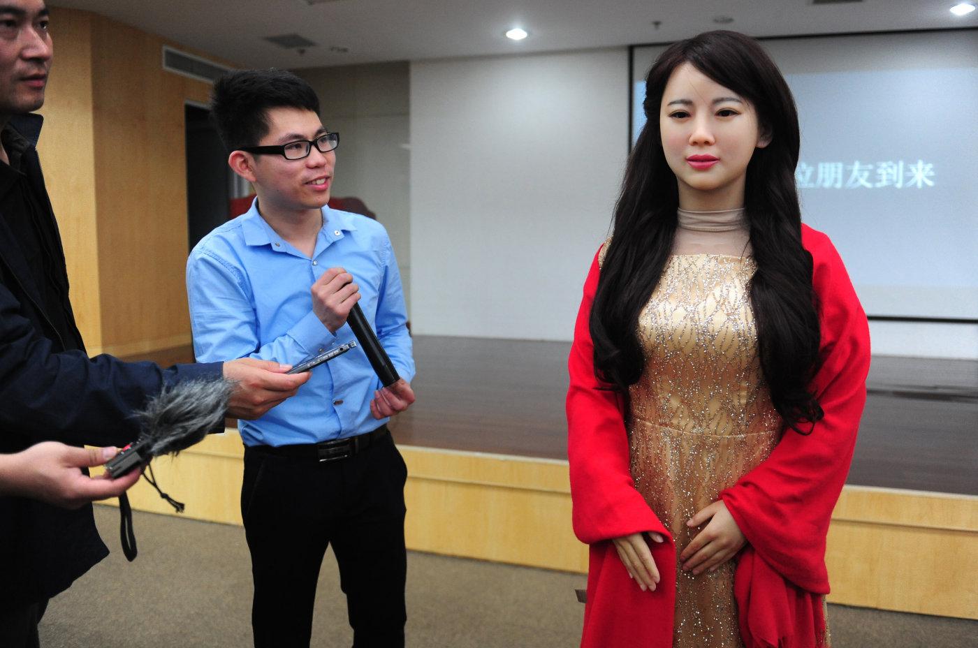 El robot más realista hasta la fecha es capaz de hablar e interactuar con humanos