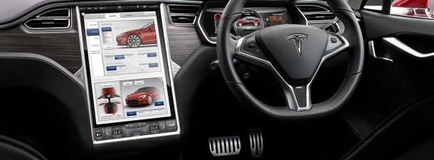 La función 'Navigate on Autopilot' de Tesla difiere de la conducción autónoma completa