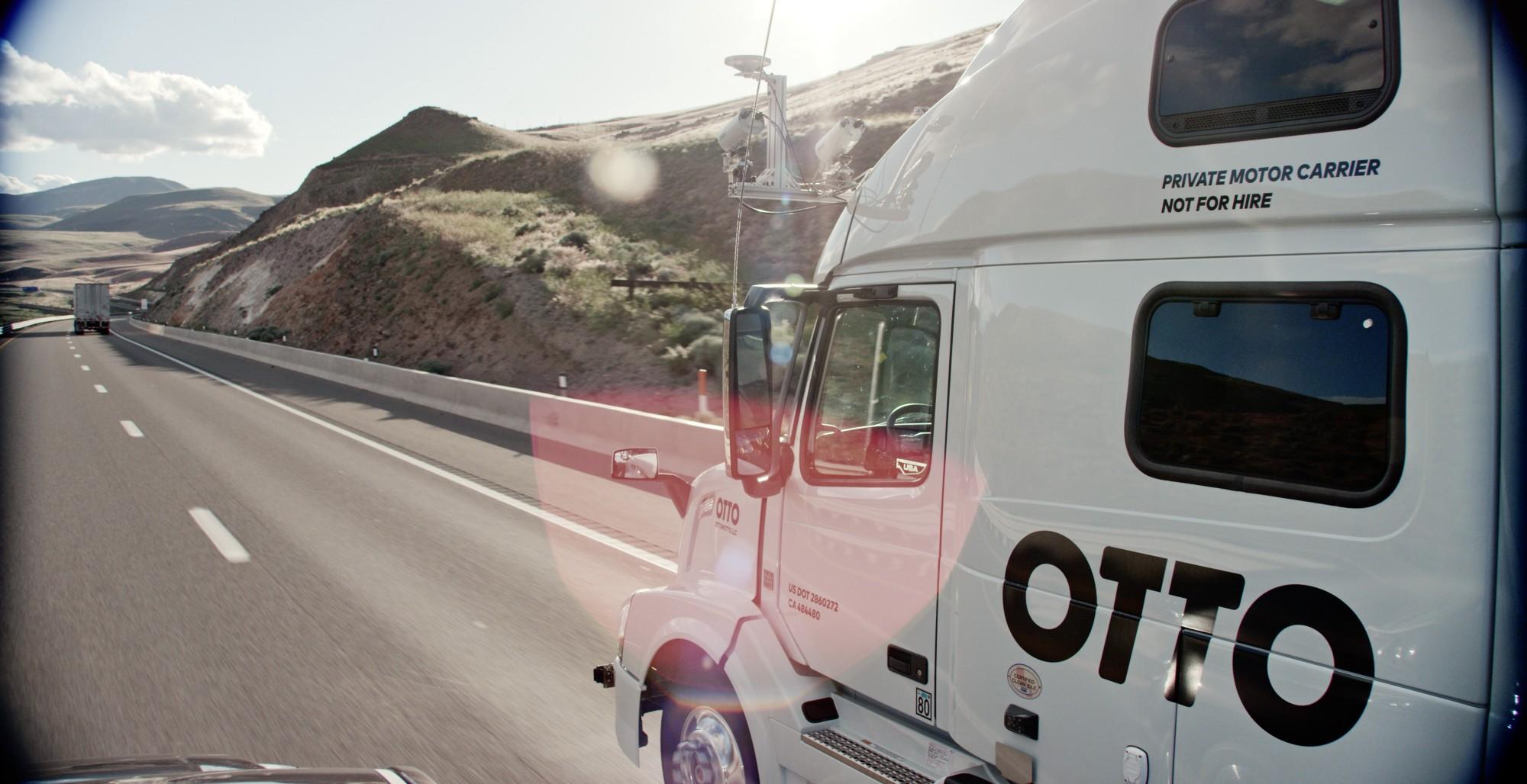 Otto quiere convertir camiones normales en autónomos