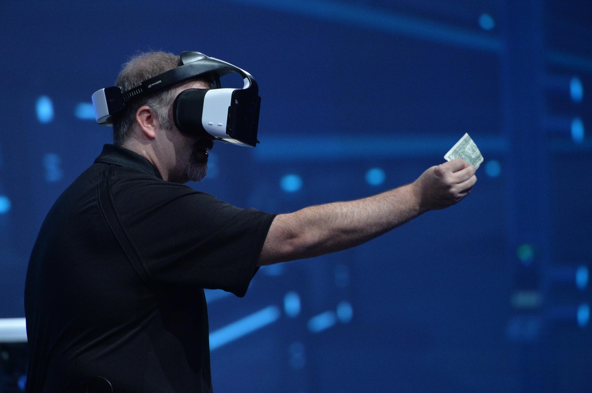 Project Alloy, la solución de Intel para superar los problemas de la realidad virtual