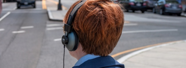 Amazon patenta unos cascos con cancelación de ruido inteligente