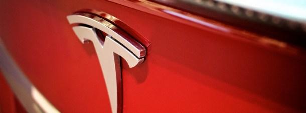 Todos los coches Tesla fabricados desde ahora serán completamente autónomos