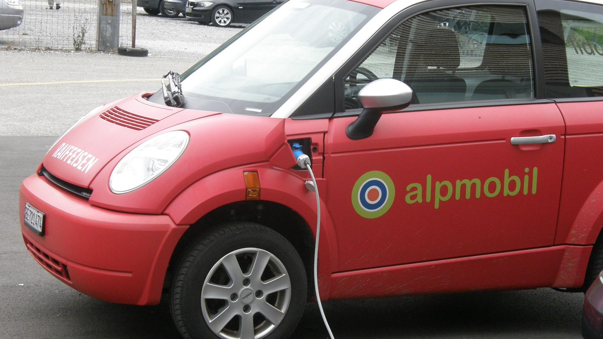 El lío de los protocolos de carga para coches eléctricos